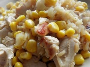 Kurczak z ryżem i kukurydzą
