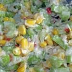 Sałatka z selera naciowego, kukurydzy i jabłka