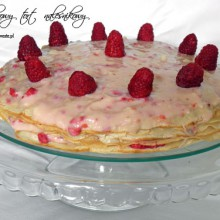 malinowy tort nalesnikowy