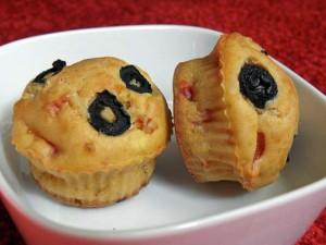 Muffiny z fetą i papryką