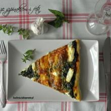 pizza ze szpinakiem i feta