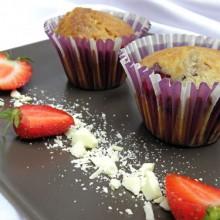muffinki z truskawkami i biala czekolada