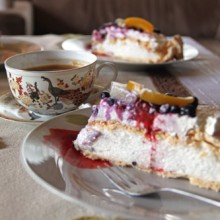 pavlova tort bezowy