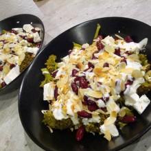 salatka brokulowa z feta i fasolka